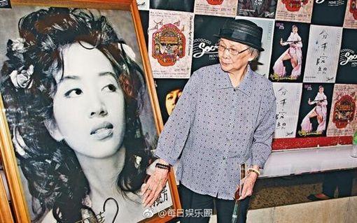 梅艷芳媽媽 / 翻攝自每日娱乐圈微博