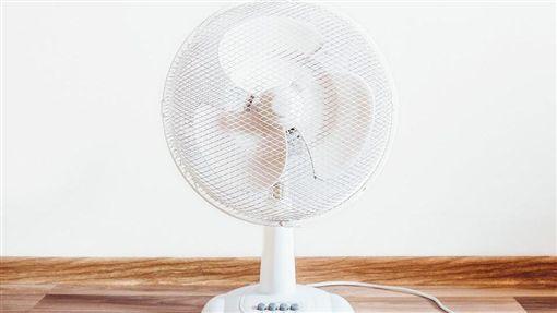 電風扇,電扇,夏天,熱 圖/翻攝自Pixabay