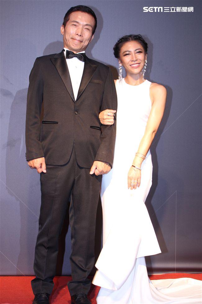 艾怡良與父親 / 記者邱榮吉攝影