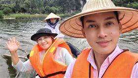 菲律賓6兒女送母環遊亞洲(圖/翻攝Hans Alcanzare臉書)