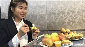 營養師蘇秀悅說,奇異果、聖女小番茄、芭樂等對餐後血糖影響不大,屬於低GI水果。(圖/記者楊晴雯攝)