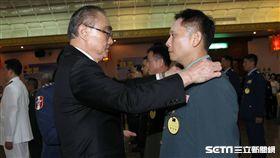 國防部27日舉辦晉任授階典禮,由國防部長馮世寬主持,總統蔡英文也出席 記者邱榮吉攝