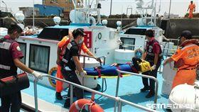 空勤總隊黑鷹直升機吊掛訓練2人落海