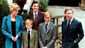 英國王室.全家福.黛安娜王妃.黛妃(Princess Diana).查爾斯王子(Prince Charles).威廉王子(Prince William)哈利王子(Prince Henry)(圖/路透社/達志影像)