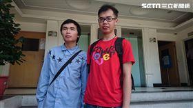 鄧佳華與游兆霖接受媒體訪問。(圖/記者游承霖攝)