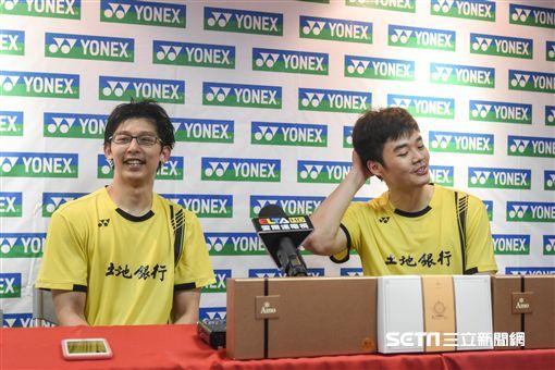 台北羽球公開賽男雙冠軍陳宏麟/王齊麟 圖/記者林敬旻攝