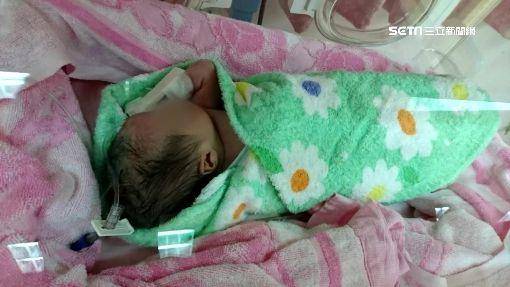 好急!新生兒等不及出生 婦人在救護車上產子