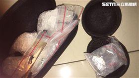 警方搜出大量毒品。(圖/翻攝畫面)