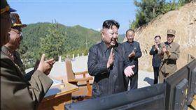 ▲北韓領導人金正恩親自視察試射。(圖/美聯社/達志影像)