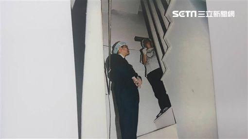 14歲少女陳屍客廳沙發,案發現場曝光。