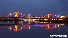 光雕橋。(圖/新北觀光旅遊局提供)