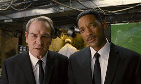 MIB星際戰警/湯米李瓊斯、威爾史密斯(圖/翻攝自imdb)