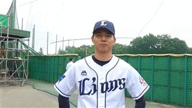 郭俊麟拍攝雙獅宣傳片(圖/獅隊提供)