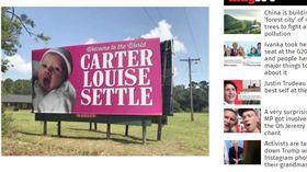 美國,卡特,Carter Louise Settle,女嬰,廣告,看板,慶祝(independent http://www.independent.co.uk/life-style/billboard-first-baby-girl-137-years-co-workers-surprise-father-south-carolina-settle-a7828281.html)