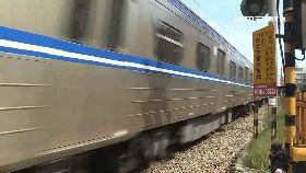 火車撞機車1200