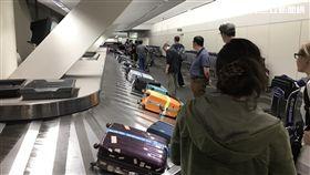當心無法登機!不可不知的出入境卡關陷阱、行李轉盤