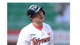 ▲韓國職棒大砲崔廷生涯200次觸身球達成。(圖/截自韓國媒體)