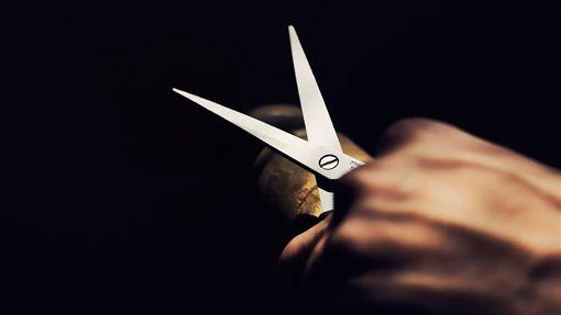 剪刀,剪破(圖/Pixabay)