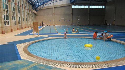 -游泳-泳池-▲圖/攝影者Micah Sittig, flickr CC License-https://www.flickr.com/photos/msittig/4757217554/