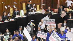 立法院第二次臨時會,行政院長林全赴議場報告遭到國民黨立委杯葛。 圖/記者林敬旻攝