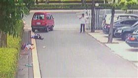 台南地院離婚官司 丈夫狠撞妻子、律師(圖/翻攝畫面)