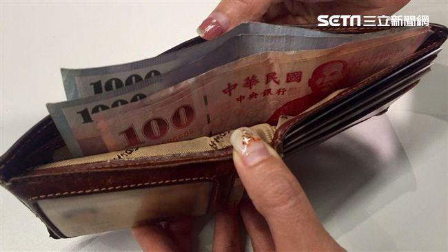 女友喊「月賺沒7萬不嫁」 30歲男一聽財務分配想放生