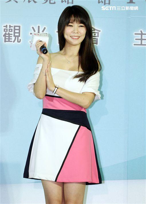 白家綺擔任2017台灣美食展大使。(記者邱榮吉/攝影)