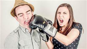否定.溝通,說話,家人,父母,講話,長輩,否定,吵架,親屬,口氣,暴怒 圖/翻攝自Pixabay https://goo.gl/i1mHBI