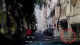 女童遭計程車輾斃