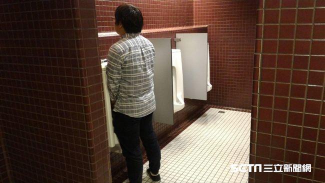 男生最好坐著尿!泌尿醫揭「3優點」 這一項網狂喊:有用 | 健康 | 三