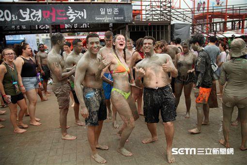 韓國保寧泥漿節,旅遊,美容泥漿,韓國慶典。(圖/記者簡佑庭攝)