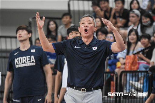 瓊斯盃中華藍隊vs南韓隊,南韓總教練許載 圖/記者林敬旻攝影