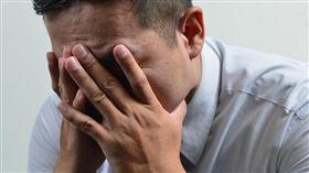 控制不了小頭 超級業務員竟罹憂鬱症