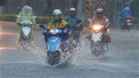 豪雨、大雨、下大雨、豪大雨、天氣、氣象示意圖/中央社