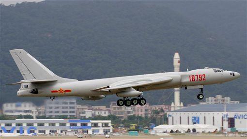 -轟6-轟炸機-▲圖/攝影者Li Pang, flickr CC License-https://zh.wikipedia.org/wiki/%E8%BD%B0-6#/media/File:PLAAF_Xian_HY-6_Li_Pang.jpg