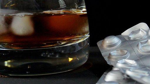 酒,藥片,下藥,迷藥(圖/Pixabay)