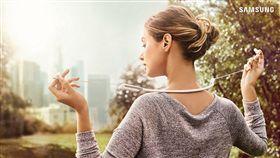 U Flex簡約頸環式藍牙耳機 三星提供