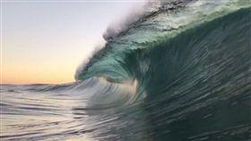 海洋,衝浪,海浪,畫面,大自然,漩渦,療癒,Ryan Pernofski (圖/翻攝自YouTube)
