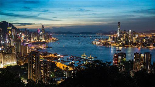 香港,西九龍,九龍島,夜景,海濱,城市(圖/攝影者Studio Incendo, Flickr CC License)https://goo.gl/Tcgv92