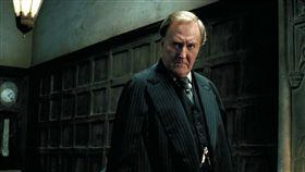 「哈利波特」魔法部長康尼留斯·夫子(CorneliusFudge),英國演員羅伯特哈迪(Robert Hardy)(圖/翻攝自哈利波特仙境臉書)