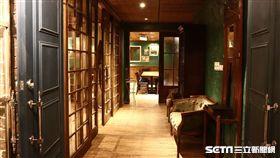 台北英倫風咖啡廳,酒吧。(圖/Bagel Bagel Café Bar提供)