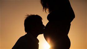 醫師,蘇怡寧,臉書,看診,懷孕,性生活,行房,保險套,子宮收縮,產檢,皮膚炎,青春痘,妊娠紋(圖/翻攝自Pixabay) https://pixabay.com/zh/%E6%80%80%E5%AD%95-%E7%88%B1-%E6%AF%8D%E4%BA%B2-%E5%A9%B4%E5%84%BF-%E8%82%9A%E7%9A%AE-%E5%BF%AB%E4%B9%90-%E5%AD%95%E