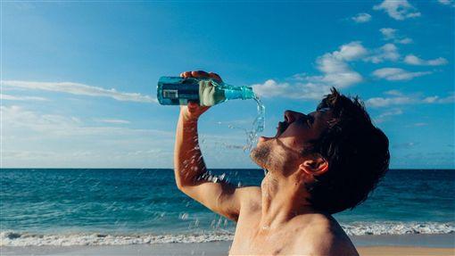 喝水,健康,減肥,時間,鹼性水,瘦身,健康,生活,飲食 圖/翻攝自pixabay https://goo.gl/xkAvJO
