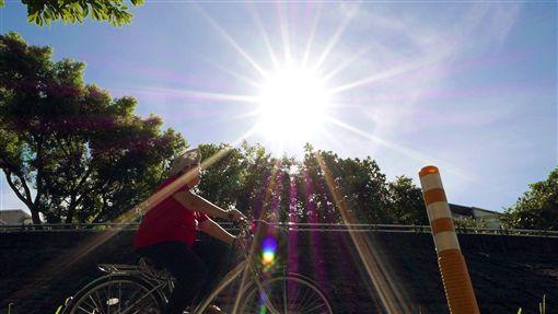 大熱天、太陽、晴天、艷陽、大太陽/中央社