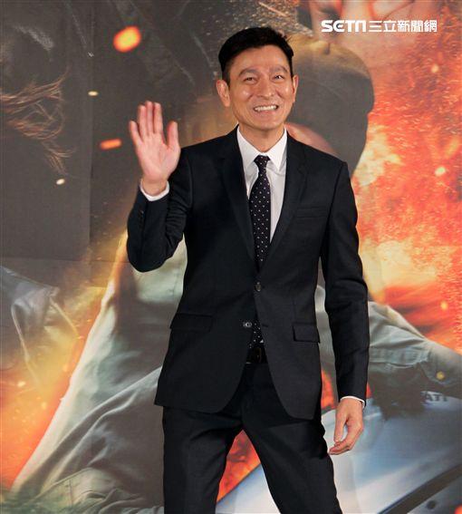 「俠盜聯盟」導演馮德倫、演員劉德華、楊祐寧,出席記者會聊拍這部電影的酸甜苦辣。(記者邱榮吉/攝影)