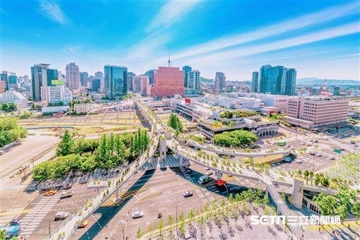 巴黎,越南粉紅教堂,香港,首爾,煙火大會(圖/KAYAK提供)