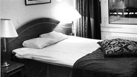 房間,床 圖/攝影者PROJoakim Jardenberg, Flickr CCLicense https://flic.kr/p/e63Y8M