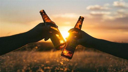 喝酒、酒、乾杯(示意圖)/pixabay