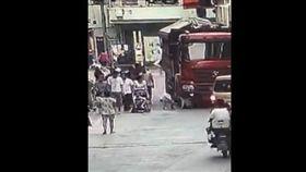 廣州女童遭輾斃_梨視頻https://www.pearvideo.com/video_1135889