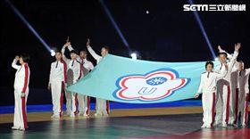 2017台北世界大學運動會開幕典禮各國選手被阻擋後進場。(記者邱榮吉/攝影)